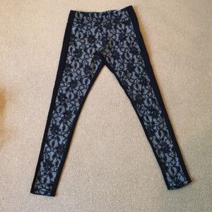 Cynthia Rowley Black Lace Athletic Leggings Size S